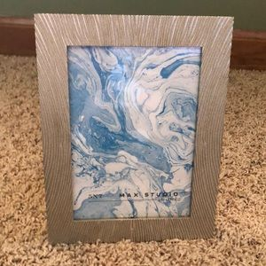 New! Max Studio 5x7 Gold picture frame